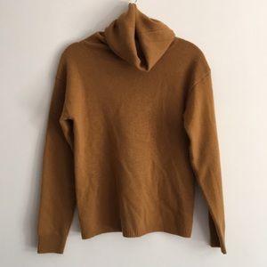 Wool/cashmere turtleneck